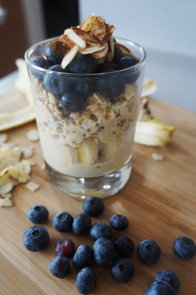 Blueberry Almond Overnight Oats | Busy Girl Healthy World (V, GF)