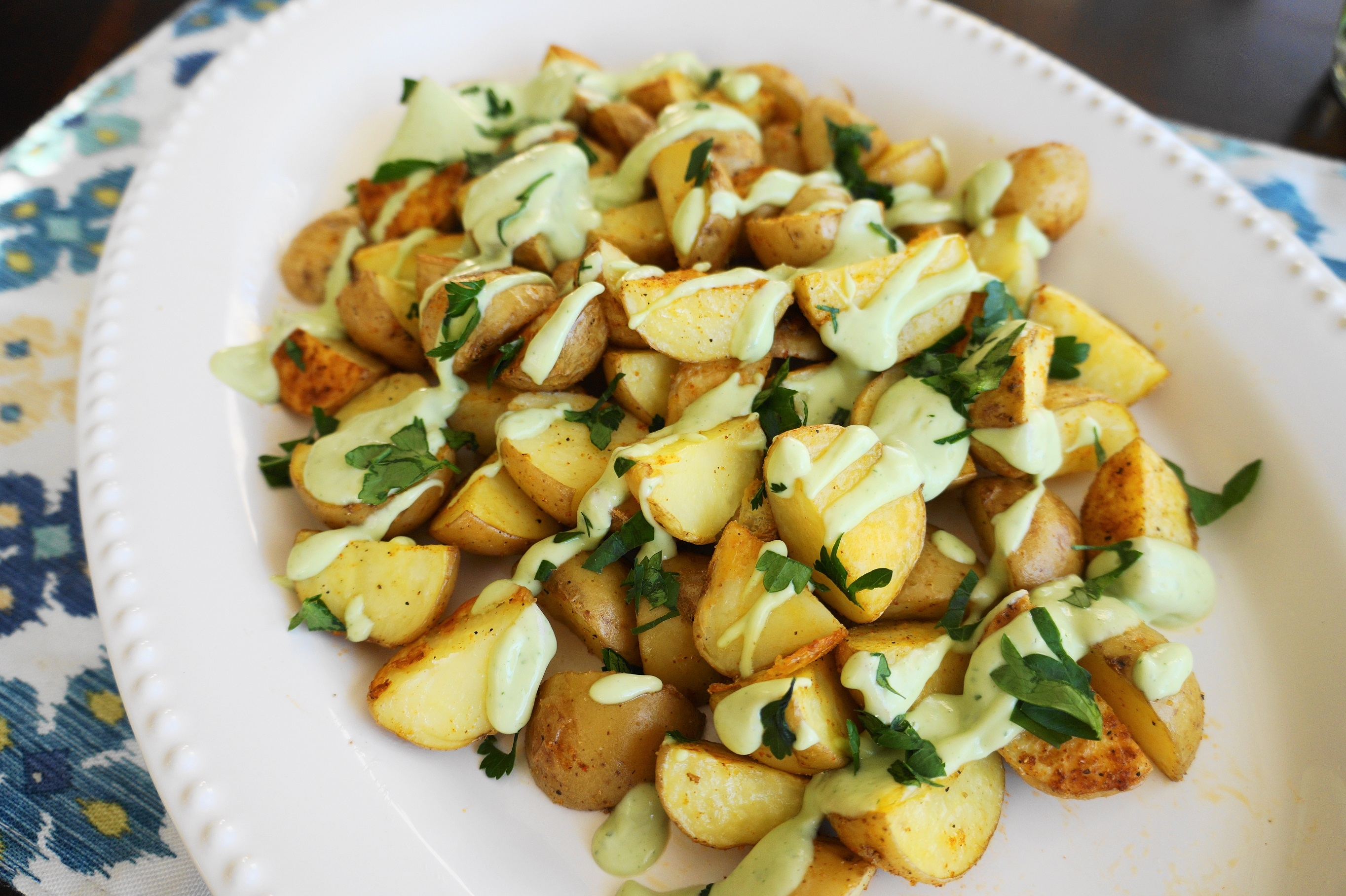 Crispy Roasted Potatoes with Avocado-Lemon Aioli (V, GF) | Busy Girl Healthy World