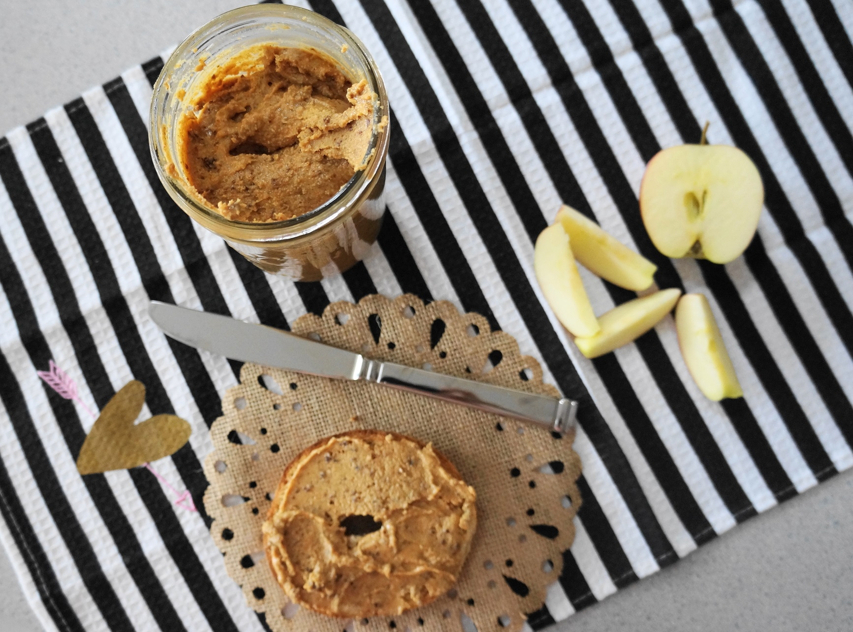 Cinnamon Raisin Peanut Butter (V, GF)   Busy Girl Healthy World