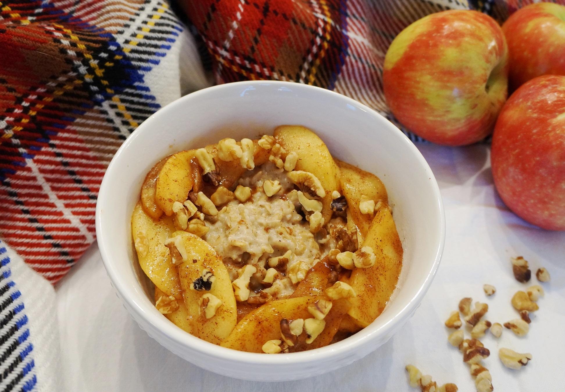 Oatmeal with Skillet Cinnamon Apples (V. GF)   Busy Girl Healthy World