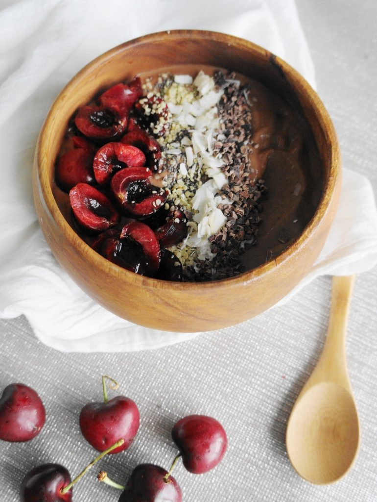 Chocolate Cherry Smoothie Bowl (V, GF, DF) | Busy Girl Healthy World