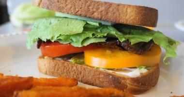 Portobello BLTs with Avocado (V, GF) | Busy Girl Healthy World